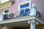 Кованые балконы и балконные перила